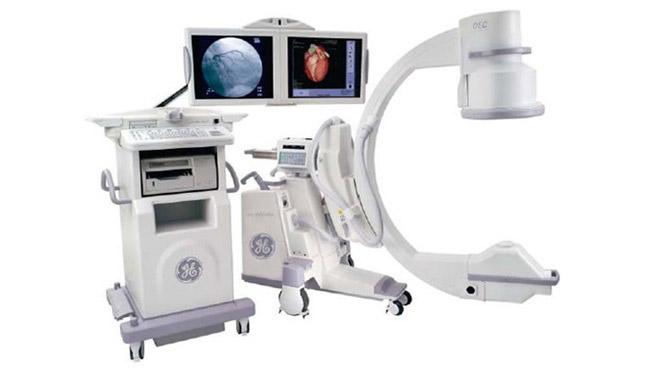 最新型モバイル血管撮影装置